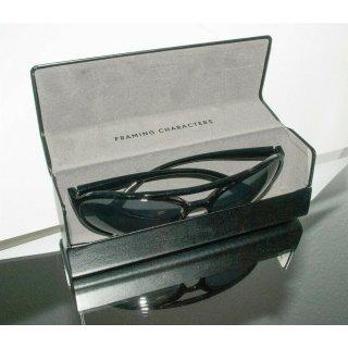 VIU Hardcase-Brillenetui in schwarzer mit Magnet-Klappverschluss